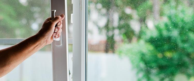 prix avantageux fenêtre PVC en Rhône-Alpes